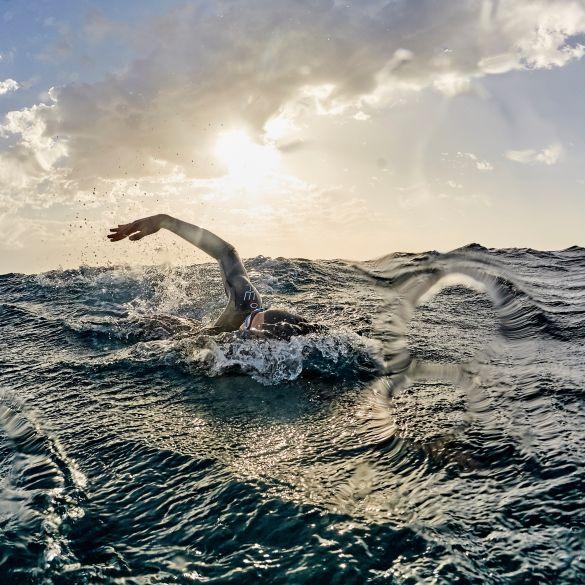 Tips om de koude water temperatuur tijdens open water zwemmen te trotseren